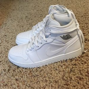 sports shoes 7ee08 5d5cb Nike Shoes - Cocaine white Jordan 1 s
