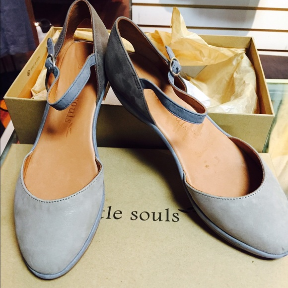 Kenneth Cole Shoes Women Gentle Soul