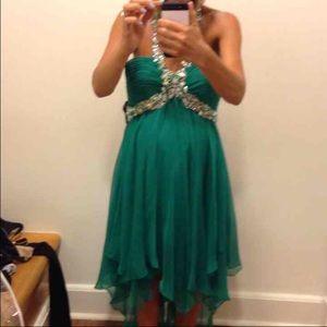 Gorgeous Emerald Green Dress With Stones!!
