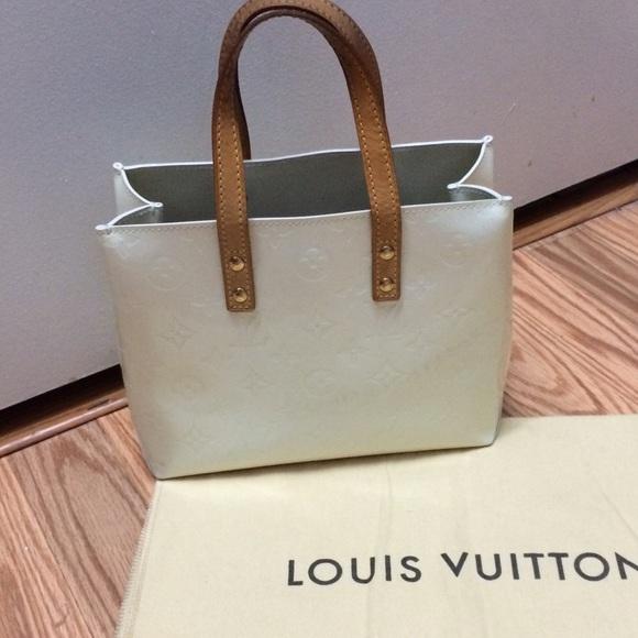 fa37b135c8903 Louis Vuitton Handbags - SALE🎉Authentic Louis Vuitton Vernis Reade Pm Tote