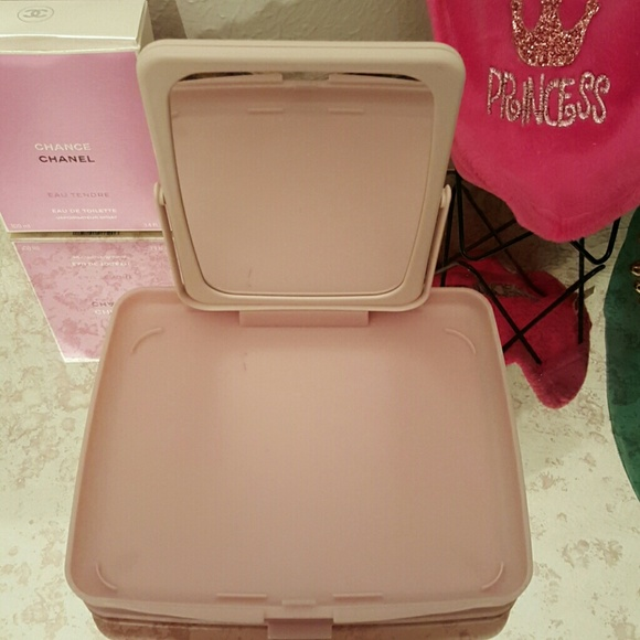 Mary kay portable mirror makeup mini table from esther 39 s for Mini makeup desk