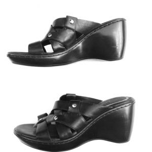 NATURALIZER black leather wedge sandals shoes 6.5N
