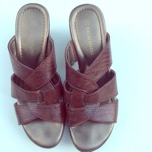 NATURALIZER brown slides comfort shoes sandals 6.5