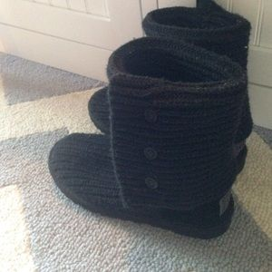 Classic cardy knit uggs