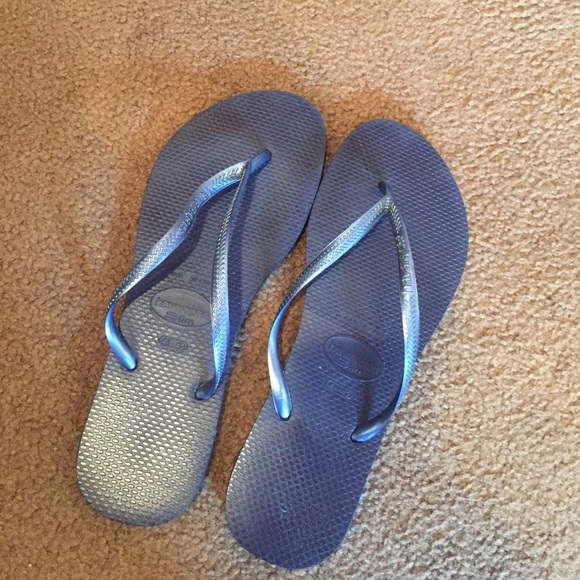 4fc988aacc46 Havaianas Shoes - Havaiana Slim flip flops in NAVY.