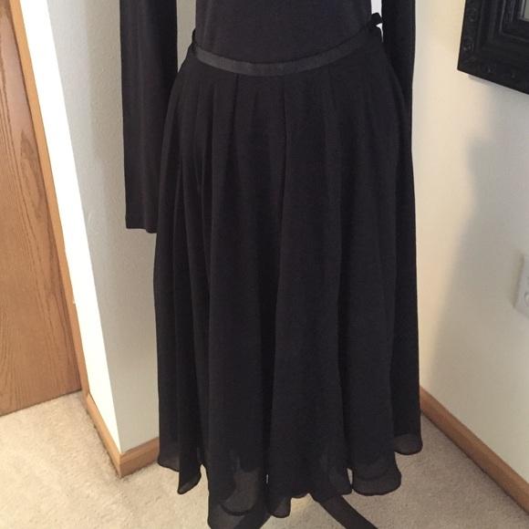 80 h m dresses skirts h m black flowy midi skirt