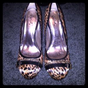 Qupid Cheetah print heels