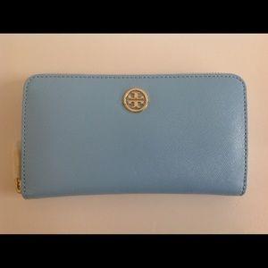 Tory Burch Handbags - NWT TORY BURCH WALLET ROBINSON CONTINENTAL BLUE