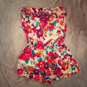 Other - Girly Bundle (Floral Romper & Lacey Top)
