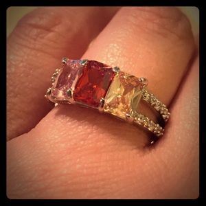 NWT Stylish crystal square stone cocktail ring
