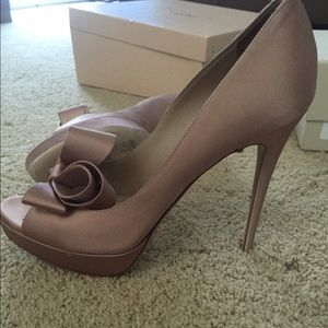 Valentino pump with bow! Brand new