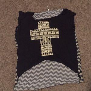 Aran's Den Tops - Aztec Gross Tee Shirt