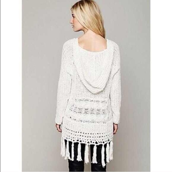 Free People - SOLD OUT 💞Free People Hooded Boho Fringe Sweater ...