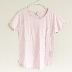Light pink tshirt with pockets