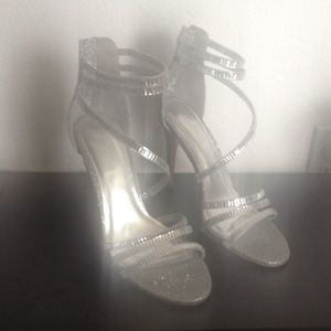 Sparkling strap heels