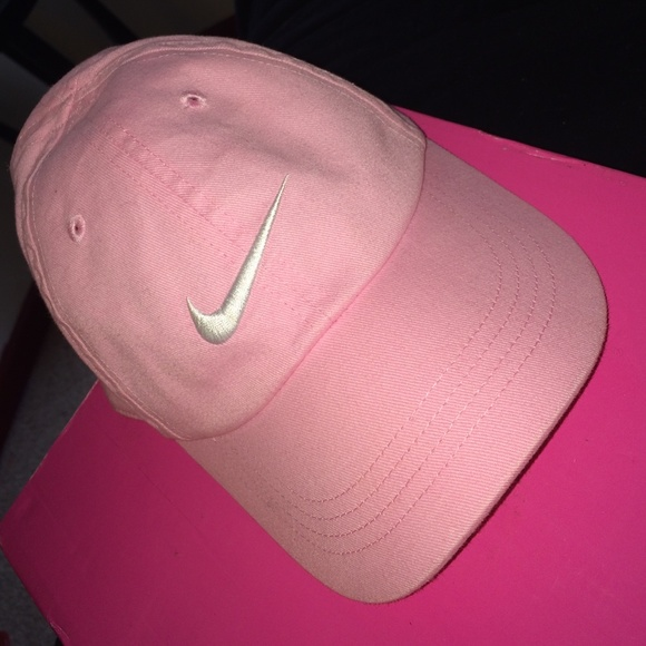 clearance baby pink nike hat 9fb39 0a36f 2ef3ebf6d8e