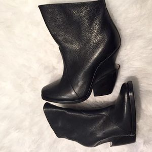 Theyskens' Theory Shoes - Theyskin's Theory metal detail leather booties