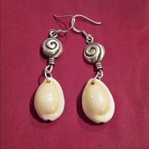 New Arrival -Beige Shell Earrings
