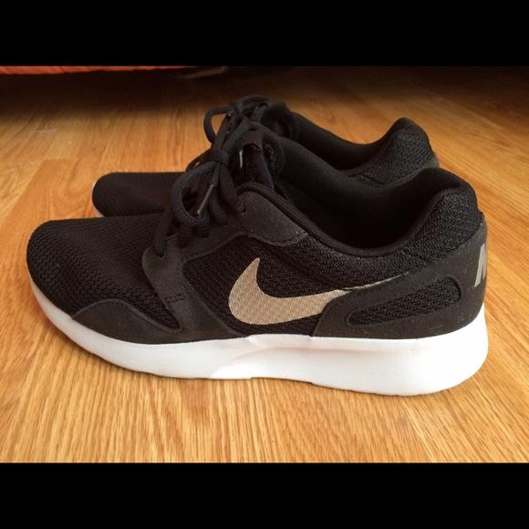 Nike Kaishi sneakers size WOMENS 8.5