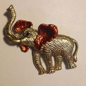 Jewelry - (L1) 🦄5 for $35🦄 Elephant Brooch