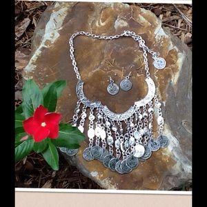 Jewelry - 🌹SALE🌹 Gypsy Necklace & Earring Set