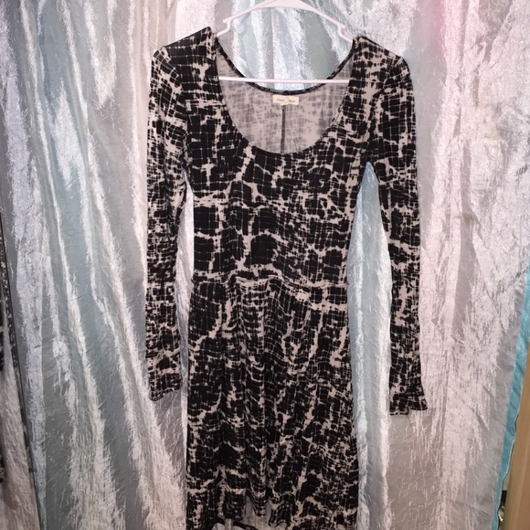 Urban Outfitters Dresses & Skirts - Black and white patterned dress