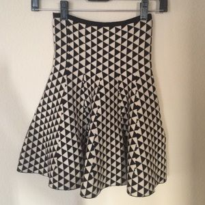 Lapis Dresses & Skirts - Triangle pattern trumpet scuba skater skirt