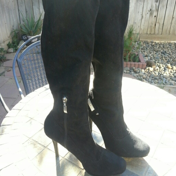 a2a290e5fba4 Guess Shoes - Holiday boots. Suede black knee high boots