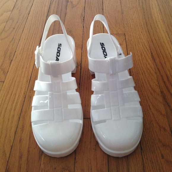 32 soda shoes white jelly shoes hold from