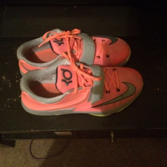 Kd 7 35k size 7 9/10 condition