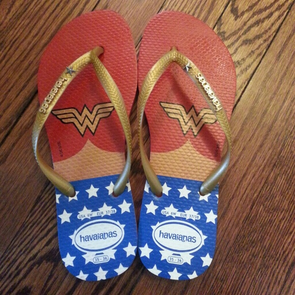 98bf0160c97 Havaianas Shoes - Havaianas Wonder Woman flip flops