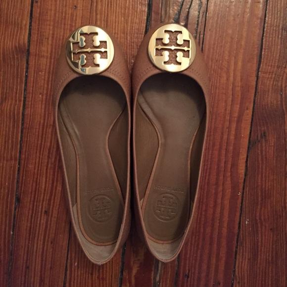 e4b5488291c4 Tory Burch Shoes - Tory Burch Reva flats - size 5.5 Tan Gold