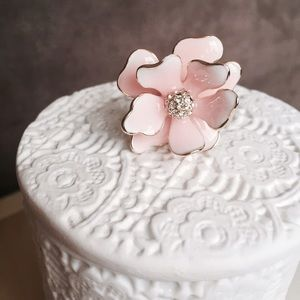 Boutique Jewelry - Pink Flower Adjustable Ring