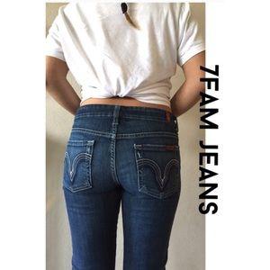 Adorable 7FAM  jeans