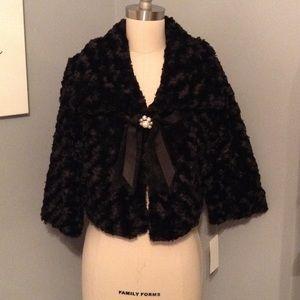 Jackets & Blazers - Faux fur shrug w/bow clasp