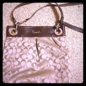 ONE DAY SALE: Coach crossbody/shoulder bag. Auth.