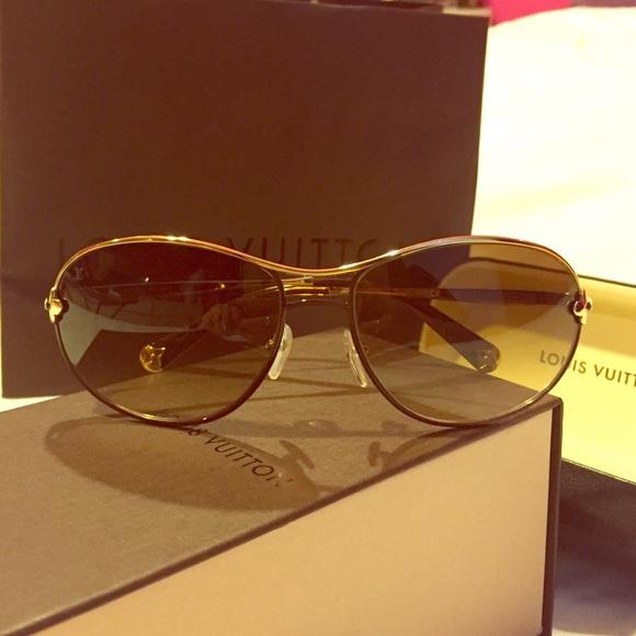 1a36024d84 Louis Vuitton Accessories - 100% Authentic Louis Vuitton  MIMOSA  Sunglasses !
