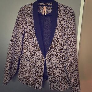 Beige and black animal pattern jacket, size 6/8