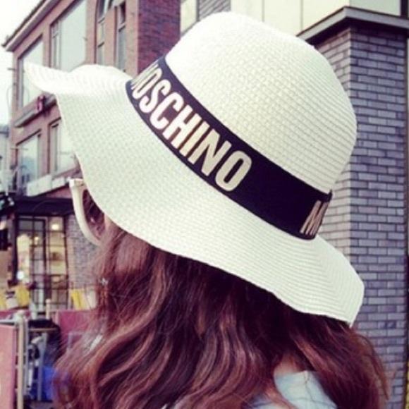 Inspired moschino straw sun hat. M 55942c29519f3a3010007c85 c74e5ebf515
