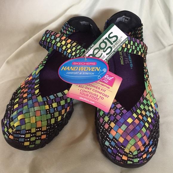61 Off Skechers Shoes Skechers Hand Woven Memory Foam