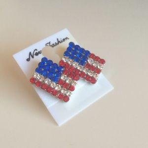 Jewelry - 🇺🇸 NEW American flag dazzling earrings.