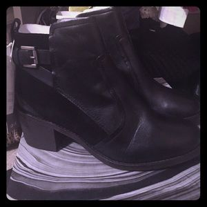 NEW- H&M leather & suede black booties size US 8