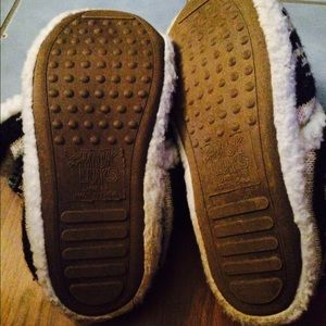Mukluk Shoes - Mukluk slipper boots