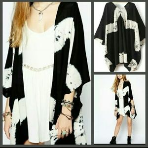 Black & White Kimono 💜H.P💜