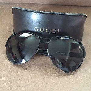 Gucci Sunglasses with case