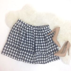 Xhilaration Dresses & Skirts - Black and White Houndstooth Skirt