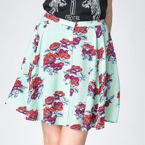 ✨ New Minkpink Floral Skater Skirt ✨