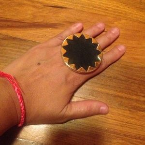 HOUSE OF HARLOW sun ring
