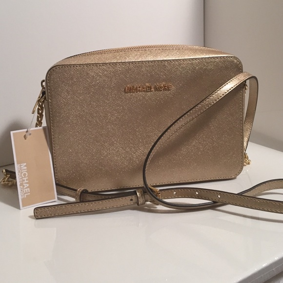 c40c206a6f22c8 Michael Kors Bags | Authentic Mk Jet Set Pale Gold Crossbody | Poshmark