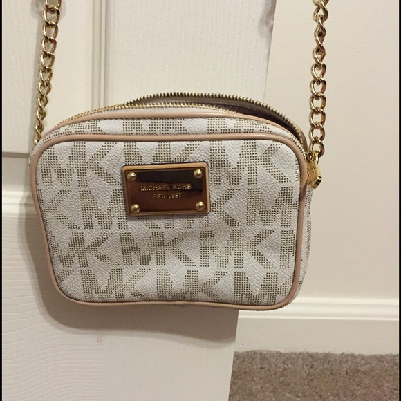 257206c042e0 Michael Kors Bags | Mk Jet Set Mini Crossbody | Poshmark